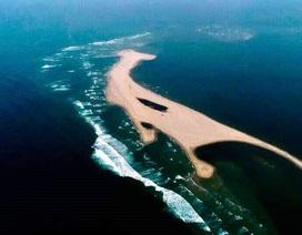 Đảo cát nổi khổng lồ giữa biển Hội An hình thành từ đâu?
