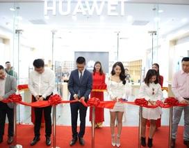 Huawei khai trương cửa hàng thứ 6, thể hiện cam kết phát triển lâu dài tại Việt Nam
