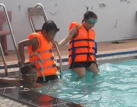 Hè về, Đoàn viên dạy bơi miễn phí cho học sinh vùng cao
