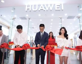 """Huawei vẫn mạnh tay đầu tư vào Việt Nam giữa """"tâm bão"""" cấm vận"""