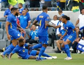 Nhà vô địch King's Cup Curacao vào tứ kết Gold Cup vô cùng khó tin