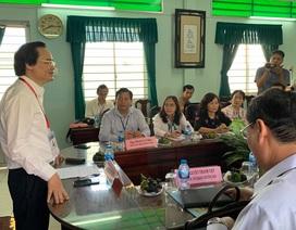 Bộ trưởng Phùng Xuân Nhạ nhắc cán bộ coi thi chú ý chuyện thí sinh mang điện thoại