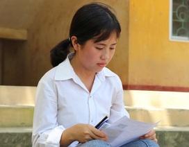 Cô bé người H'Mông trèo đèo, lội suối 20km thi THPT quốc gia