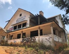 Hàng chục biệt thự cao cấp bị bỏ hoang ở hồ Tuyền Lâm