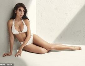 Bạn gái của Cristiano Ronaldo khoe ngực căng tròn