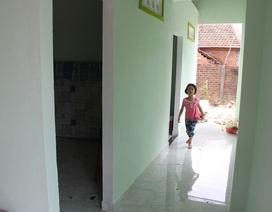 Bạn đọc Dân trí cùng mạnh thường quân giúp người cha bị bệnh lao nuôi 3 con thơ xây nhà mới