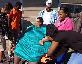 Bà mẹ giảm 270 kg vì... xấu hổ với các con