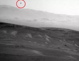 Tàu thăm dò của NASA chụp được hình ảnh sinh vật ngoài hành tinh trên sao Hoả?