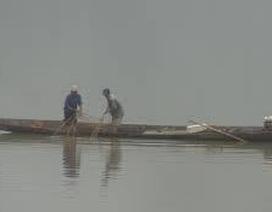 2 bố con bị lưới cuốn, tử vong trên sông