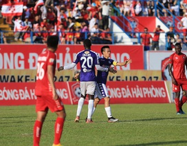 Văn Quyết lập công, CLB Hà Nội đòi lại ngôi đầu V-League