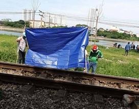 Băng qua đường sắt đi vệ sinh, người đàn ông bị tàu tông tử vong