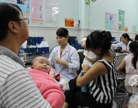 TPHCM: 2 trẻ bị sốc phản vệ nặng sau tiêm chủng