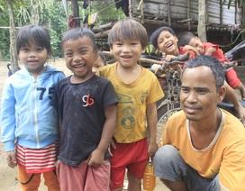 Những cư dân vừa nhập quốc tịch Việt Nam phấn khởi xây dựng cuộc sống mới