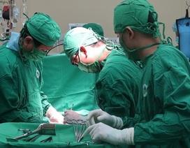 Tự điều trị khớp, bệnh nhân loét dạ dày máu phun thành vòi