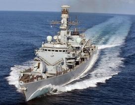 Anh đưa tàu chiến thứ 3 tới vịnh Ba Tư giữa căng thẳng với Iran