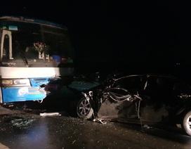 Chủ tịch huyện bị thương nặng sau va chạm giữa xe con và xe chở công nhân