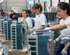 """Hàng loạt công ty ồ ạt rời đi, Trung Quốc """"trải thảm đỏ"""" giữ chân"""