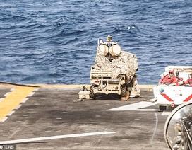 """""""Sát thủ diệt UAV"""" trên boong tàu chiến Mỹ nghi bắn rơi máy bay Iran"""