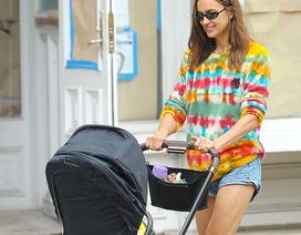 Irina Shayk năng động và trẻ trung ra phố