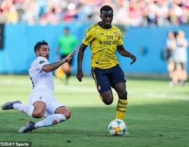 Sao trẻ lập cú đúp, Arsenal dễ dàng đánh bại Fiorentina 3-0