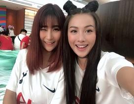 Yaya Trương Nhi cùng Băng Di, MLee, Trang Pháp sang Singapore cổ vũ bóng đá