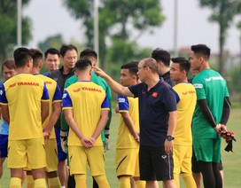 V-League đổi lịch thi đấu: Chờ câu trả lời của HLV Park Hang Seo