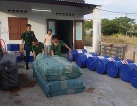 Phát hiện cơ sở sản xuất dầu nhớt giả nhãn hiệu Castrol tại Đà Nẵng