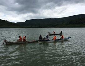 Rủ nhau chèo xuồng ra đập câu cá, 3 thanh niên bị đuối nước