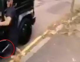 Ozil và Kolasinac bị cướp tấn công bằng dao