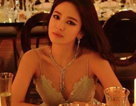Song Hye Kyo lại khiến fan ngất ngây với loạt ảnh lả lơi, gợi cảm