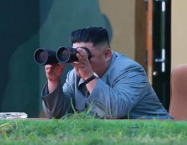 Ông Kim Jong-un thị sát vụ phóng tên lửa khiến đối thủ khiếp sợ