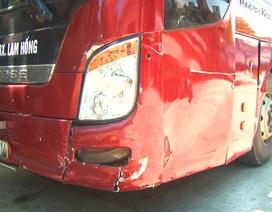 """Tài xế xe khách """"chơi"""" ma túy, tông vào xe đang bị tai nạn"""