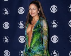 Phong cách thời trang táo bạo của Jennifer Lopez qua năm tháng