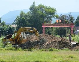 Huyện thuộc diện nghèo nhất nước đầu tư 2 tỷ xây cổng chào