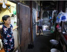 """Cuộc sống """"như từ thế kỷ trước"""" trong khu nhà gỗ ở Hà Nội"""