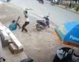 Hà Nội: Bảo vệ siêu thị bị đối tượng 2 tiền án chém trọng thương