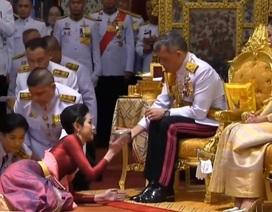 Nhà vua Thái Lan lần đầu phong Hoàng Quý Phi sau gần 1 thế kỷ