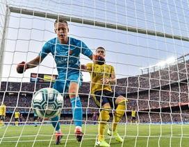 Barcelona 2-1 Arsenal: Luis Suarez ghi bàn quyết định