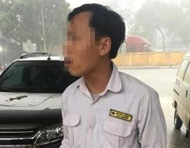 Hà Nội: Tài xế taxi đánh 3 cô gái vì... không chịu đi xe