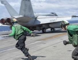 Tàu sân bay uy lực của Mỹ tuần tra Biển Đông