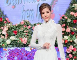 """Nam Thư gây chú ý khi diện áo dài dẫn """"Bạn muốn hẹn hò"""""""