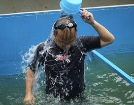 Xem chuyên gia Nhật Bản rửa mặt, tắm bằng nước sông Tô Lịch