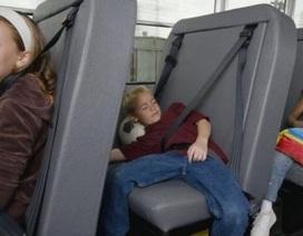 Đây là cách các nước trên thế giới phát hiện học sinh ngủ quên trên xe bus
