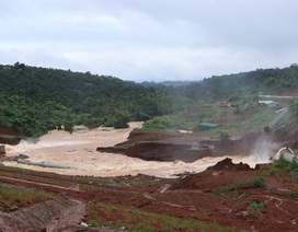 Hồ thủy điện chứa 13 triệu m3 nước suýt bị vỡ do… củi?