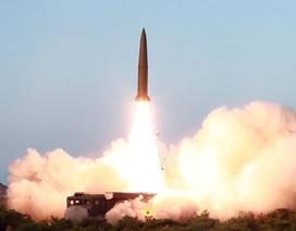 Triều Tiên phóng liên tiếp 2 tên lửa