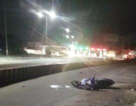 Hai thượng úy cảnh sát cơ động lao xe vào dải phân cách, tử vong