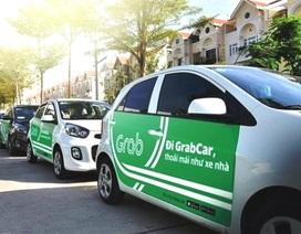 """Grab """"cổ vũ"""" taxi truyền thống kinh doanh bằng xe hợp đồng điện tử?"""