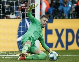 Adrian cản phá sút luân lưu sai luật, CĐV Chelsea đòi đá lại siêu cúp châu Âu