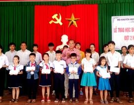 Hội Khuyến học Quảng Nam trao 152 suất học bổng