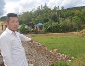 Bàn giao đất cho chính quyền xây cầu đường xong, vạ vật gần 8 năm đợi đất tái định cư!